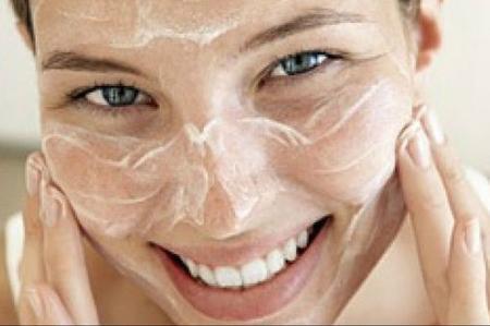 Detersione e cura della pelle: i consigli delle Profumerie Sabbioni