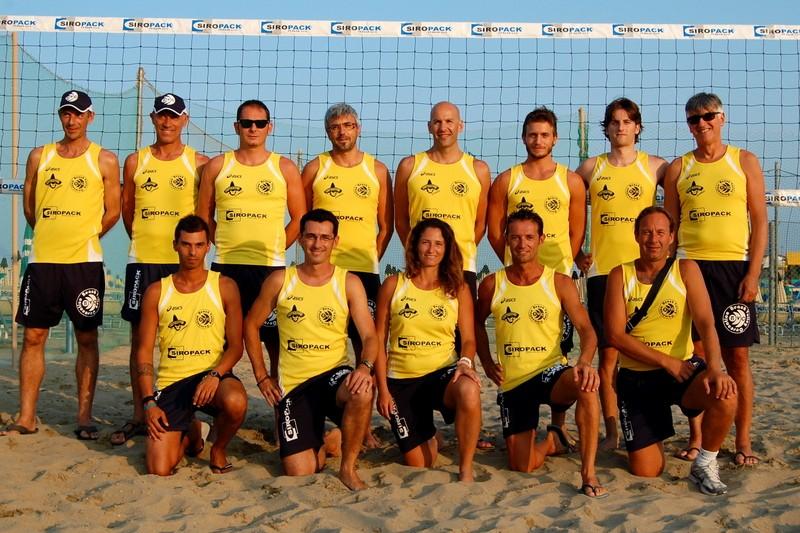 Al via i corsi di beach volley per i piccoli sulla spiaggia di Cesenatico