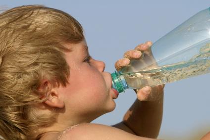 Se il bambino si scotta al sole: cosa fare e come evitarlo