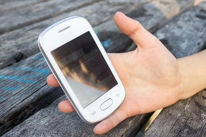 13enne divulga foto hard di un'amica: genitori nei guai