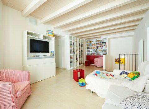 """Una """"Casa Gialla"""" per i bambini oncologici e le loro famiglie, a Bologna un'asta di opere d'arte"""