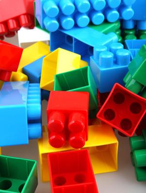 Bellaria: giocattoli usati in vendita per aiutare il piccolo Shibu