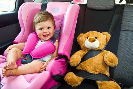 «Stop all'utilizzo di bambini nello spot delle automobili»