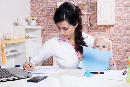 Maternità e lavoro, ancora molte dimissioni dopo la nascita dei figli