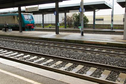 Ore e ore di treno con i bambini: questione di sopravvivenza