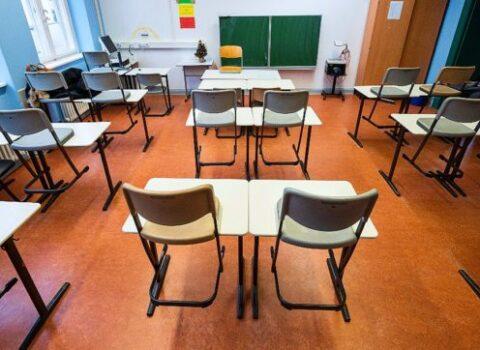Covid, in una settimana ci sono già 16 classi in quarantena